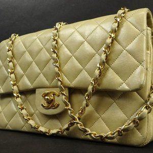 Chanel Quilted Lambskin Medium Classic Double Flap